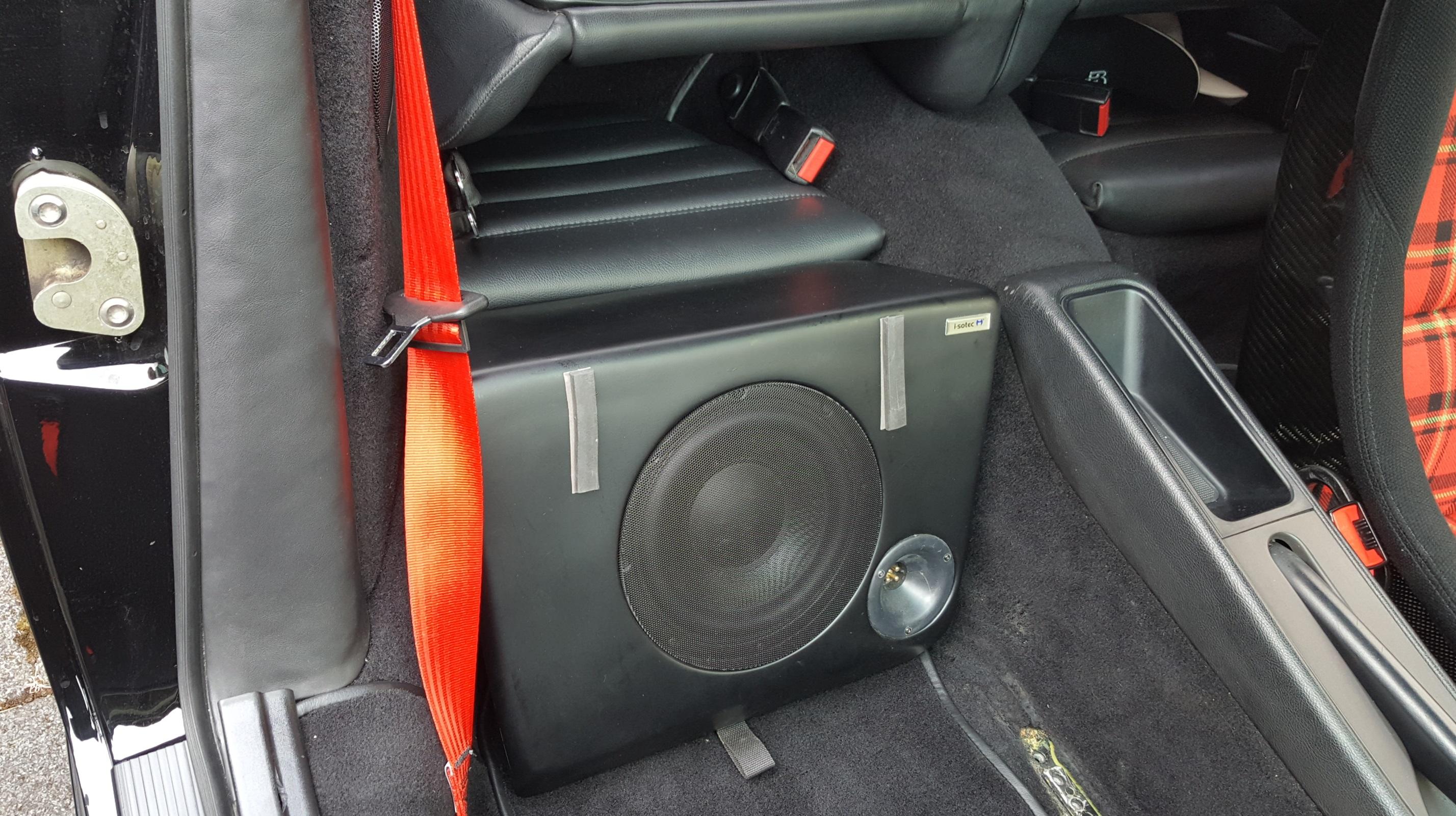 porsche 964 r cksitz subwoofer 120 watt i sotec. Black Bedroom Furniture Sets. Home Design Ideas